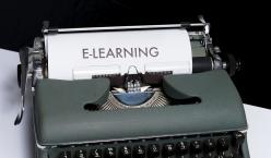 """Schreibmaschine mit Text """"e-learning"""""""